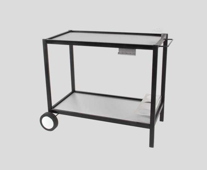 Table en métal avec plateau inox